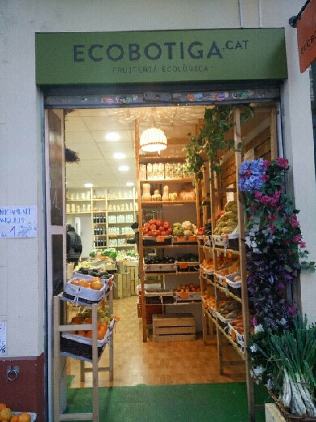 """Photo of Ecobotiga.cat - Poble nou  by <a href=""""/members/profile/asya.sofia"""">asya.sofia</a> <br/>store front <br/> December 28, 2015  - <a href='/contact/abuse/image/65745/130140'>Report</a>"""