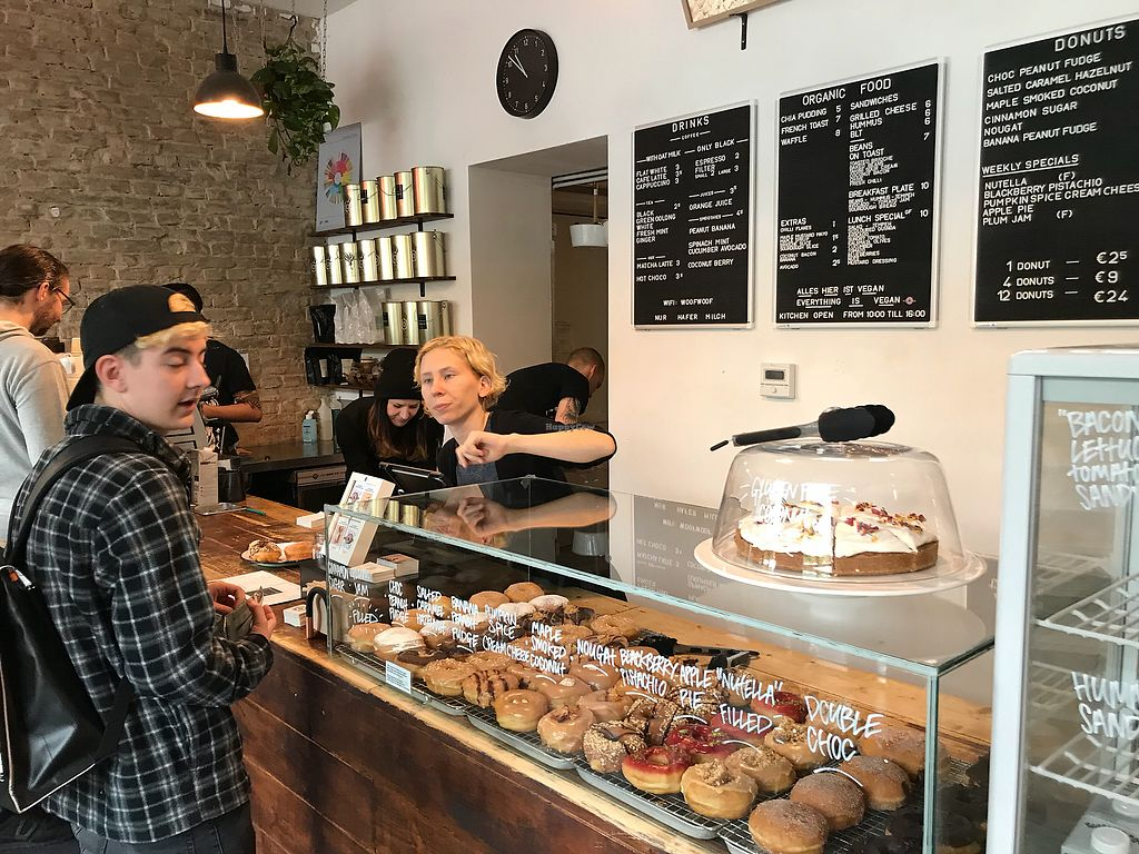 """Photo of Brammibal's Donuts - Maybachufer  by <a href=""""/members/profile/MichalBrandebura"""">MichalBrandebura</a> <br/>B <br/> September 23, 2017  - <a href='/contact/abuse/image/65783/307384'>Report</a>"""