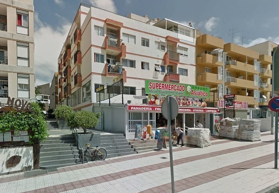 """Photo of CLOSED: Supermercado Asiatico  by <a href=""""/members/profile/Meaks"""">Meaks</a> <br/>Supermercado Asiatico <br/> September 1, 2016  - <a href='/contact/abuse/image/65875/172814'>Report</a>"""