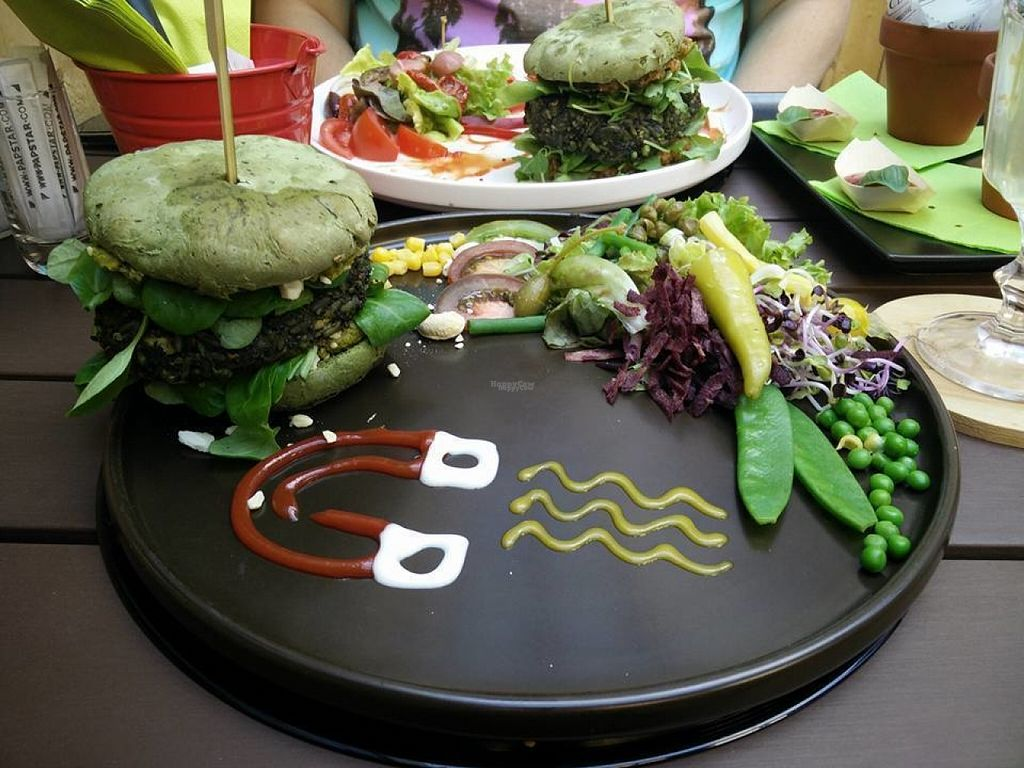 """Photo of hashtag food  by <a href=""""/members/profile/Meaks"""">Meaks</a> <br/>'Magnet' <br/> August 4, 2016  - <a href='/contact/abuse/image/65956/165516'>Report</a>"""