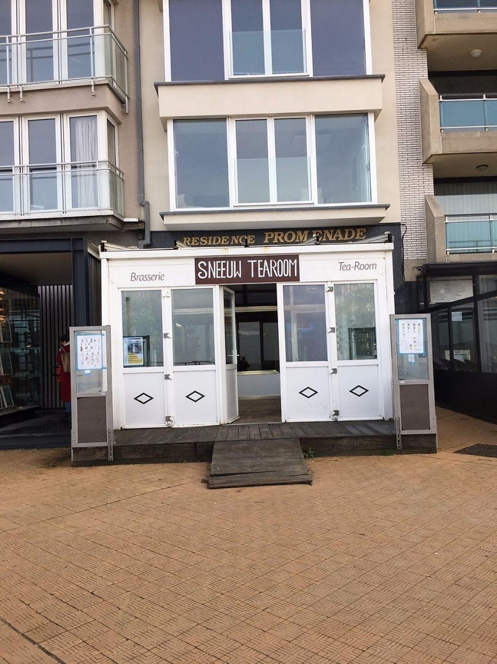 "Photo of Sneeuw Tearoom  by <a href=""/members/profile/VeggieGastronaut"">VeggieGastronaut</a> <br/>Storefront of Sneeuw Tearoom <br/> November 16, 2016  - <a href='/contact/abuse/image/65979/190956'>Report</a>"