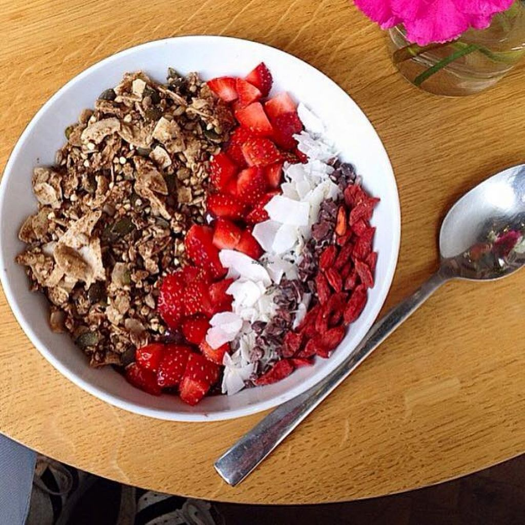 """Photo of Juice Brothers - Raamsteeg  by <a href=""""/members/profile/community"""">community</a> <br/>acai bowl  <br/> December 1, 2015  - <a href='/contact/abuse/image/66019/126777'>Report</a>"""