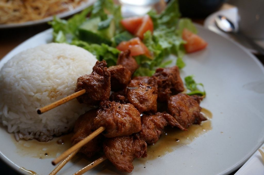 "Photo of Tien Hiang - rue Bichat  by <a href=""/members/profile/Ricardo"">Ricardo</a> <br/>Japanese skewers with chicken <br/> January 22, 2017  - <a href='/contact/abuse/image/6609/214724'>Report</a>"