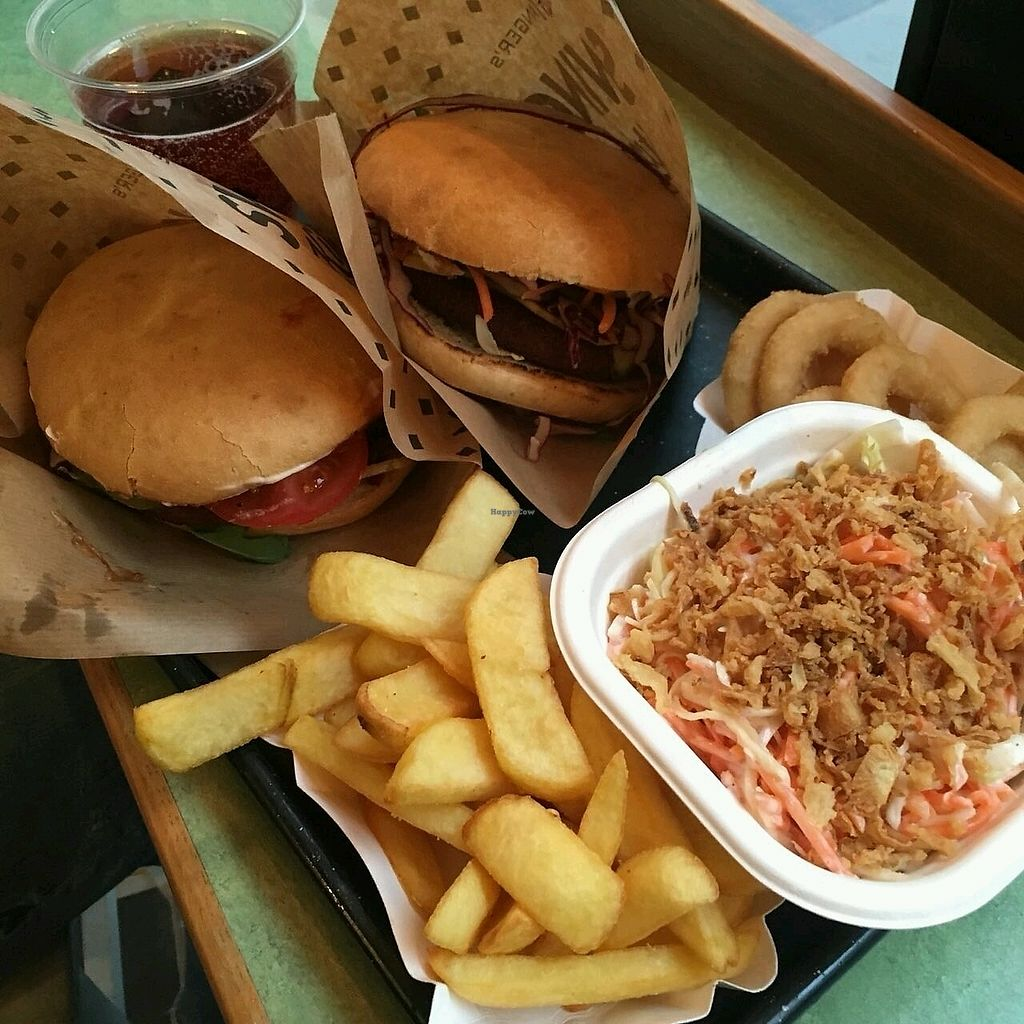 "Photo of Swing Kitchen - Operngasse  by <a href=""/members/profile/Wilkou"">Wilkou</a> <br/>Burger, coleslaw, oniom rings and fries <br/> April 16, 2018  - <a href='/contact/abuse/image/66158/386925'>Report</a>"
