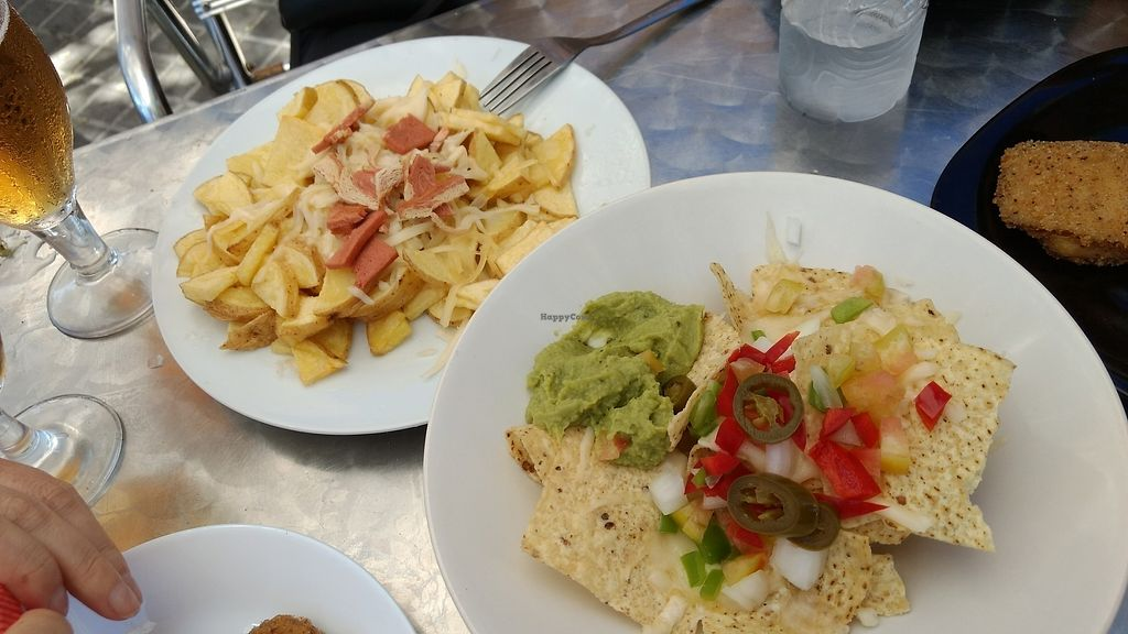 """Photo of Ruta 42  by <a href=""""/members/profile/darkrabbit"""">darkrabbit</a> <br/>Nachos and Potatoes with vegan bacon <br/> July 5, 2017  - <a href='/contact/abuse/image/66206/276865'>Report</a>"""