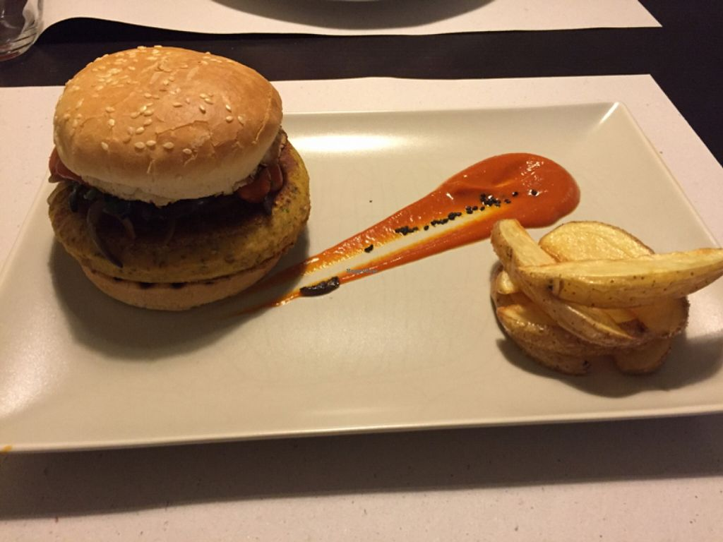 """Photo of CLOSED: Nature Bistro Cocina Ecologica  by <a href=""""/members/profile/Ryshkar"""">Ryshkar</a> <br/>vegan burger  <br/> March 22, 2016  - <a href='/contact/abuse/image/66264/140894'>Report</a>"""