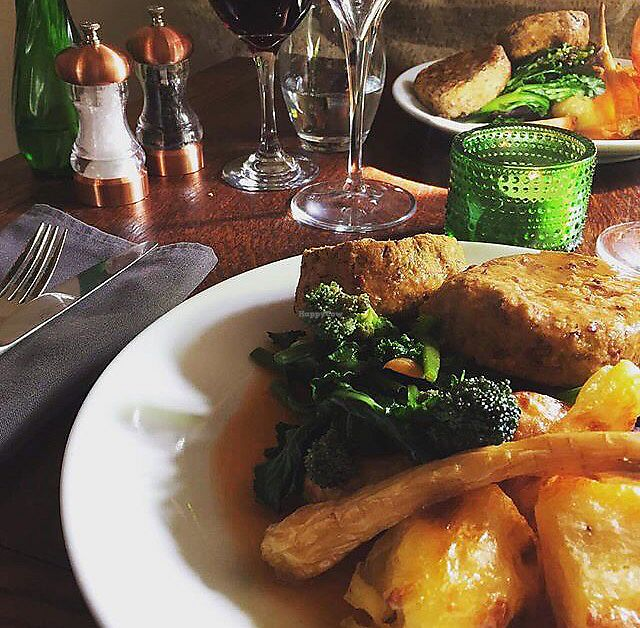"""Photo of The Royal Oak  by <a href=""""/members/profile/VeggieFromSpace"""">VeggieFromSpace</a> <br/>vegan Sunday roast  <br/> July 25, 2017  - <a href='/contact/abuse/image/66322/284537'>Report</a>"""