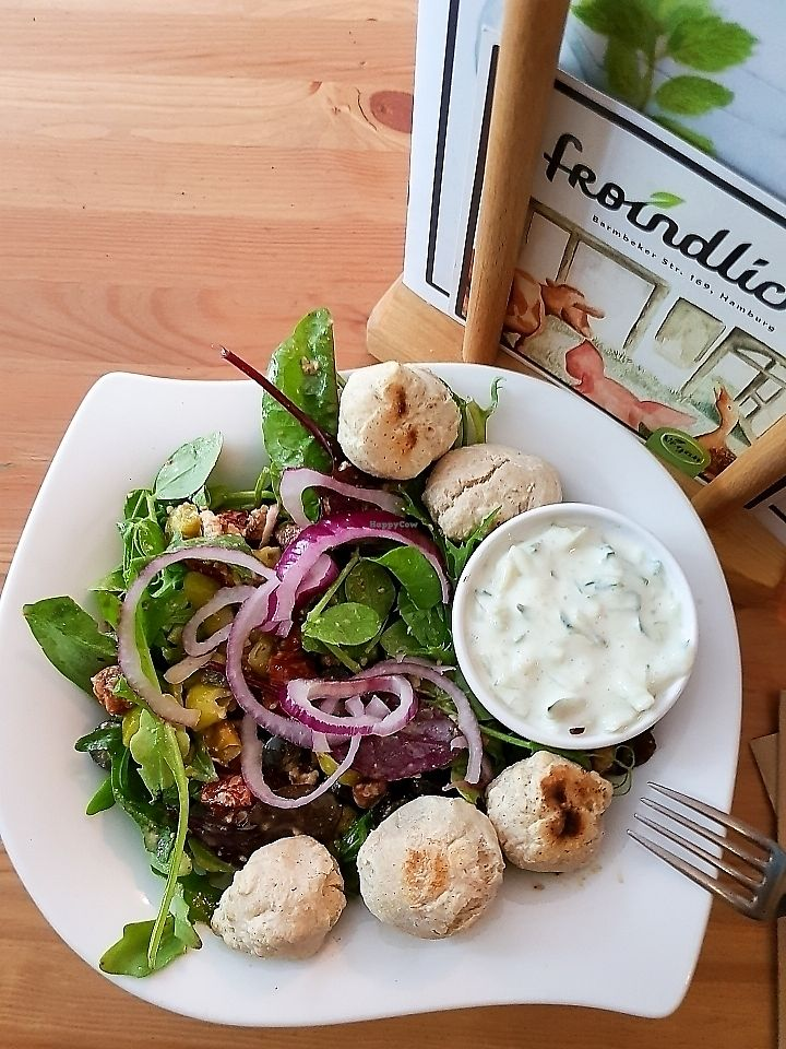 "Photo of Froindlichst - Winterhude  by <a href=""/members/profile/veganverayo"">veganverayo</a> <br/>Greeky salad bowl ? I love their new menue card with the wild salad bowl. Mine contained wildsalad, almond feta, olives, dried tomatoes, tzatziki, red unions, peperoni and pizza bread Hmm!? <br/> June 18, 2017  - <a href='/contact/abuse/image/66416/270459'>Report</a>"