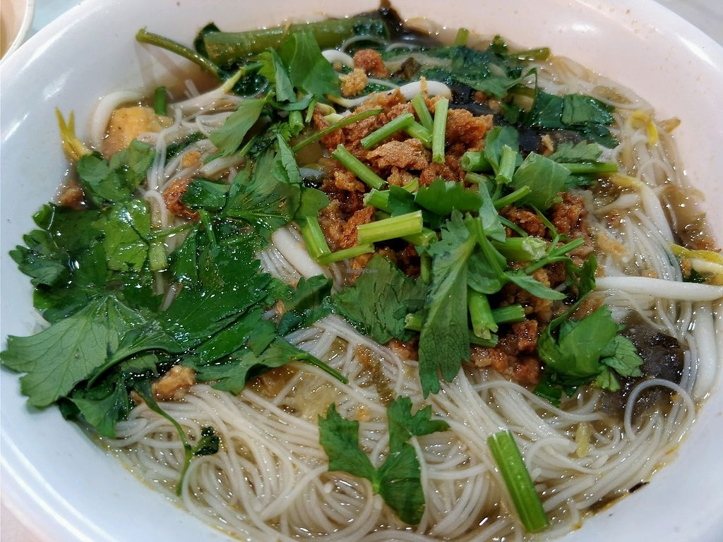"""Photo of Ji Xiang Vegetarian Stall - Choice Coffee  by <a href=""""/members/profile/JimmySeah"""">JimmySeah</a> <br/>bee hoon soup <br/> March 25, 2018  - <a href='/contact/abuse/image/66489/375877'>Report</a>"""