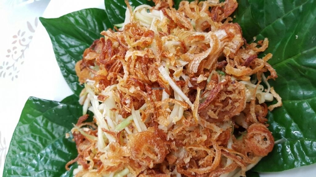 """Photo of CLOSED: Spices and Herbs  by <a href=""""/members/profile/k.wag"""">k.wag</a> <br/>Vegan mango salad with roasted coconut (and crispy onion) <br/> December 4, 2015  - <a href='/contact/abuse/image/66491/127210'>Report</a>"""