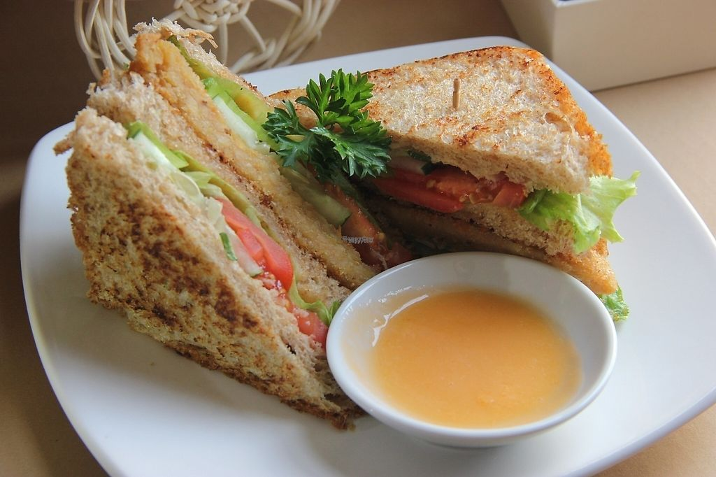 """Photo of LN Fortunate Coffee - Jogja  by <a href=""""/members/profile/JeffreyChandra"""">JeffreyChandra</a> <br/>great sandwich, vegan and tasty <br/> January 9, 2017  - <a href='/contact/abuse/image/66618/209939'>Report</a>"""