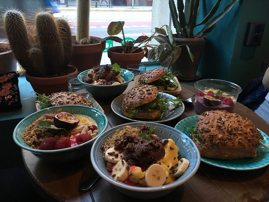 """Photo of Mahalo  by <a href=""""/members/profile/L1n23"""">L1n23</a> <br/>Smoothie bowls & sandwhiches <br/> January 20, 2018  - <a href='/contact/abuse/image/66713/349010'>Report</a>"""