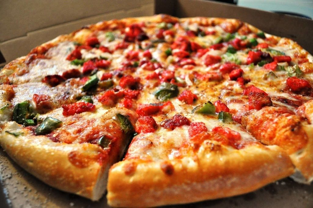 """Photo of Village Pizza  by <a href=""""/members/profile/Meaks"""">Meaks</a> <br/>Vegan Tikka Style Chicken, Mushroom, Mixed Peppers, Fresh Chilli and Red Onion <br/> August 3, 2016  - <a href='/contact/abuse/image/66782/165025'>Report</a>"""