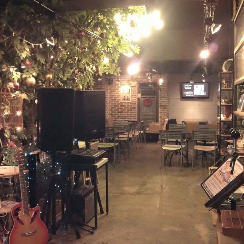 """Photo of CLOSED: Cafe Inu Eco Natural - 카페 이누  by <a href=""""/members/profile/ItalianChick"""">ItalianChick</a> <br/>Cozy cafe <br/> December 15, 2015  - <a href='/contact/abuse/image/66799/128530'>Report</a>"""