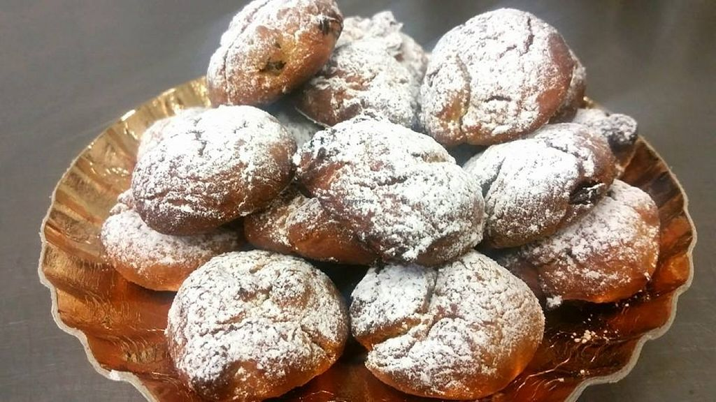 """Photo of Pasticceria Caffetteria Larocca  by <a href=""""/members/profile/community"""">community</a> <br/>vegan pastry <br/> May 23, 2016  - <a href='/contact/abuse/image/66848/150593'>Report</a>"""