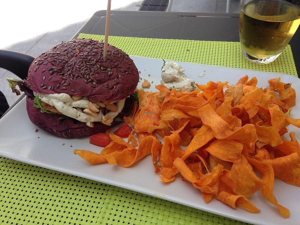 "Photo of Vegana Burgers - Atrium Saldanha  by <a href=""/members/profile/SandraVentura"">SandraVentura</a> <br/>Best one <br/> June 15, 2017  - <a href='/contact/abuse/image/66852/269248'>Report</a>"