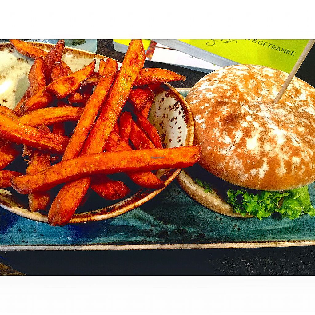 """Photo of Hans im Glück  by <a href=""""/members/profile/Hannahg"""">Hannahg</a> <br/>Vegan burger and sweet potato fries <br/> November 1, 2017  - <a href='/contact/abuse/image/66878/320870'>Report</a>"""