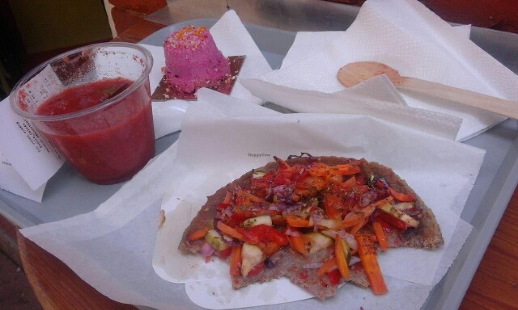 "Photo of Invita Fresh Food  by <a href=""/members/profile/Babz"">Babz</a> <br/>menu tarte/quiche, boisson, dessert <br/> July 8, 2016  - <a href='/contact/abuse/image/66908/158448'>Report</a>"