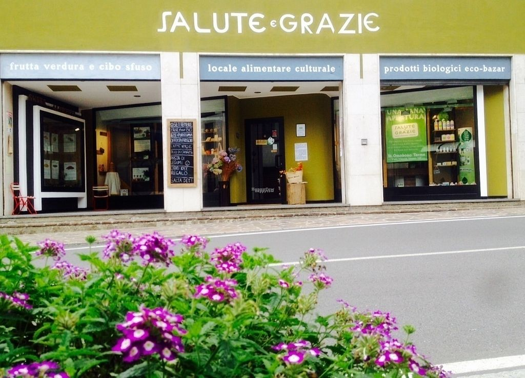 """Photo of Salute e Grazie  by <a href=""""/members/profile/Athos21"""">Athos21</a> <br/>Exterior <br/> October 2, 2016  - <a href='/contact/abuse/image/66934/179198'>Report</a>"""