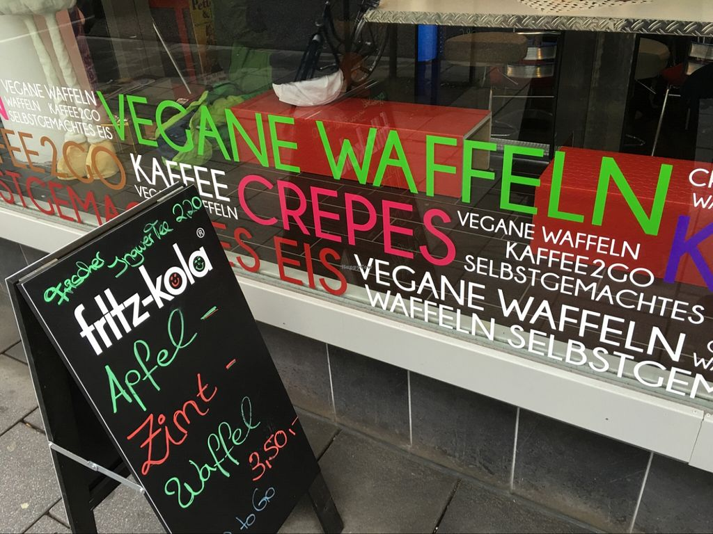"""Photo of Waffelschwestern  by <a href=""""/members/profile/marky_mark"""">marky_mark</a> <br/>outside <br/> December 12, 2015  - <a href='/contact/abuse/image/66967/128072'>Report</a>"""