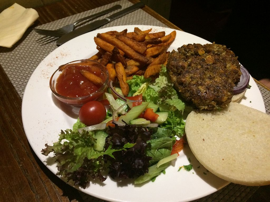 """Photo of The Black Horse  by <a href=""""/members/profile/Alisonc"""">Alisonc</a> <br/>Vegan burger  <br/> September 4, 2017  - <a href='/contact/abuse/image/67015/300947'>Report</a>"""