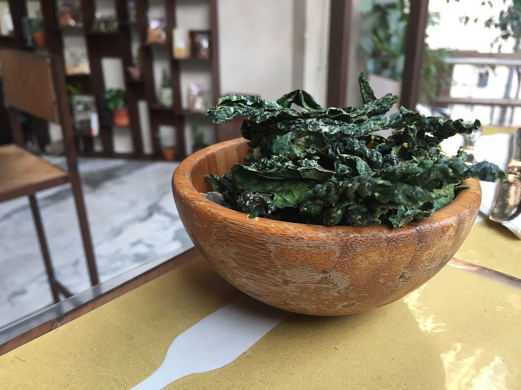 "Photo of Ecru  by <a href=""/members/profile/VictoriaGarafola"">VictoriaGarafola</a> <br/>Kale chips  <br/> January 5, 2018  - <a href='/contact/abuse/image/67136/343151'>Report</a>"