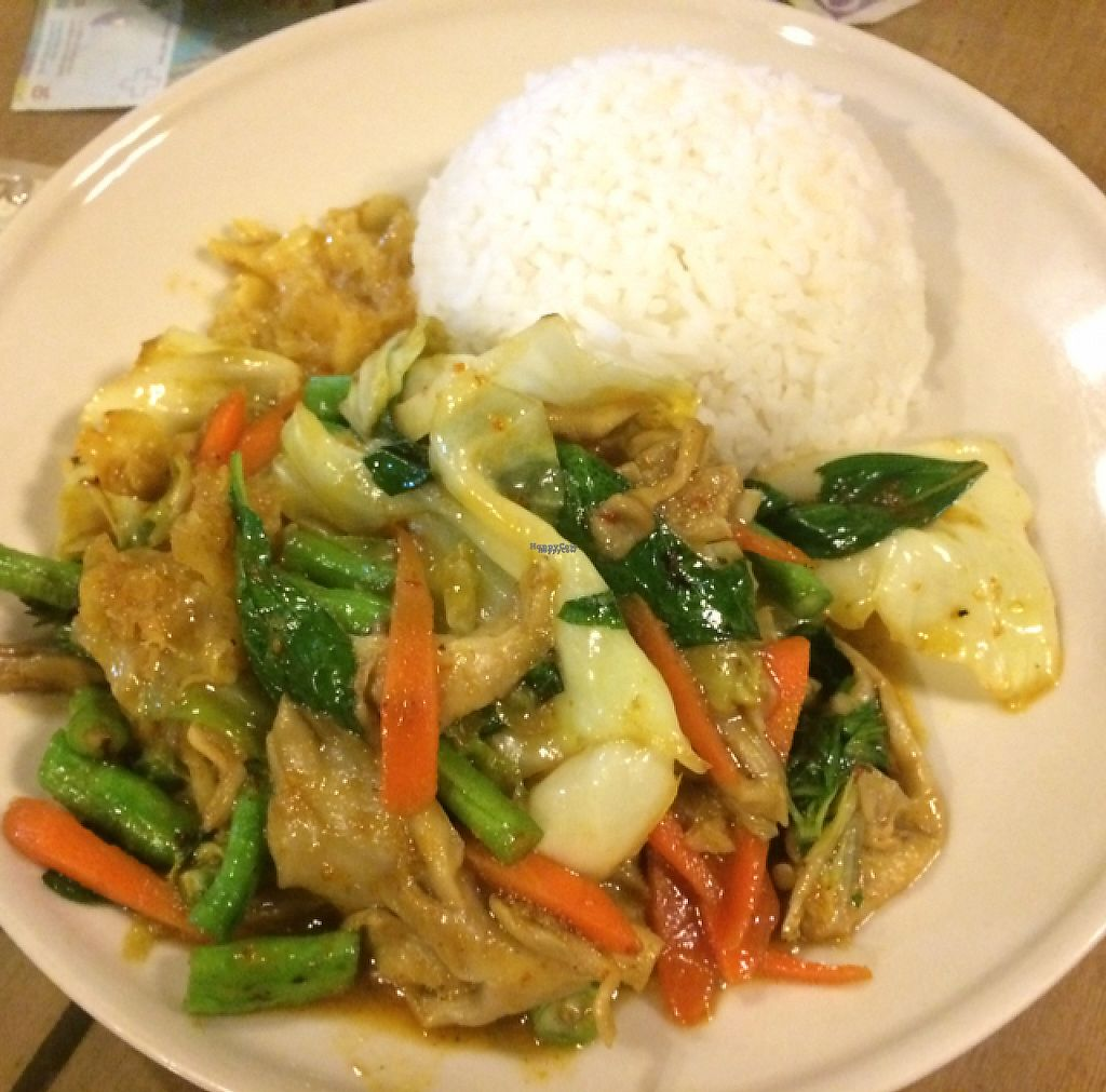 """Photo of Barrab  by <a href=""""/members/profile/FatTonyBMX"""">FatTonyBMX</a> <br/>Vegan fried veggies with rice <br/> January 19, 2017  - <a href='/contact/abuse/image/67252/213299'>Report</a>"""