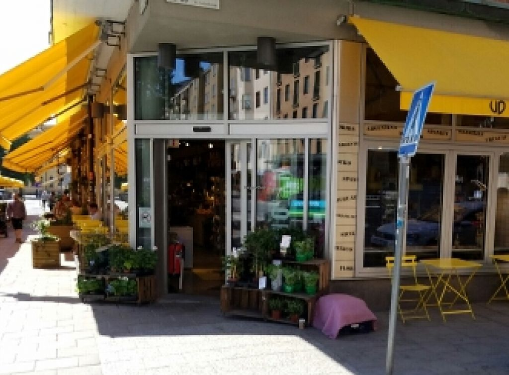 """Photo of Urban Deli  by <a href=""""/members/profile/kenvegan"""">kenvegan</a> <br/>outside <br/> June 3, 2016  - <a href='/contact/abuse/image/67272/244880'>Report</a>"""