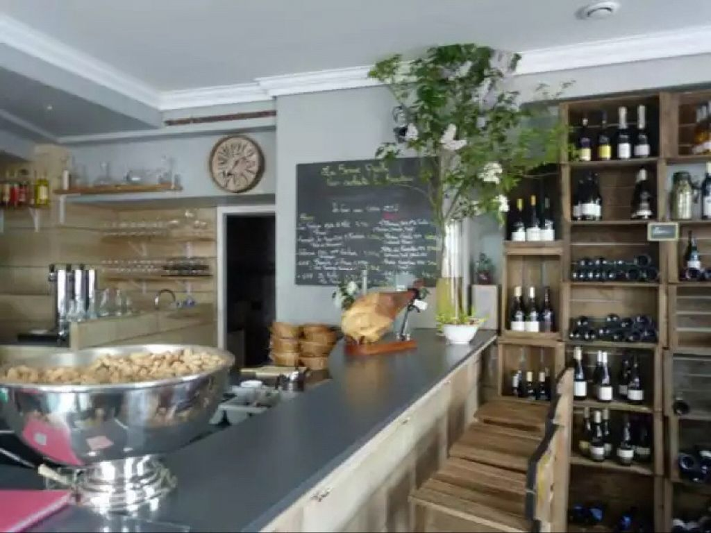 """Photo of La Bonne Quille  by <a href=""""/members/profile/Zoudofsky"""">Zoudofsky</a> <br/>the nice inside, sorry for the piece of meat in background <br/> December 19, 2015  - <a href='/contact/abuse/image/67277/129099'>Report</a>"""