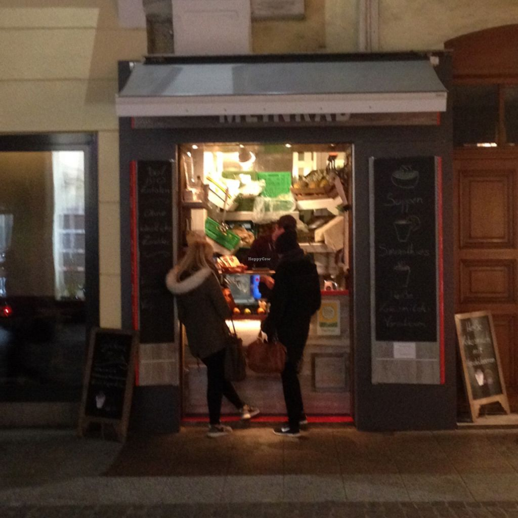 """Photo of CLOSED: Meinrad Juicery  by <a href=""""/members/profile/Michael.Milla"""">Michael.Milla</a> <br/>streetview <br/> December 20, 2015  - <a href='/contact/abuse/image/67377/129290'>Report</a>"""