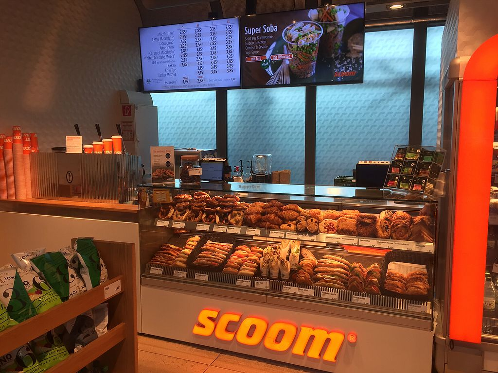 """Photo of Scoom - Frankfurt Airport  by <a href=""""/members/profile/iokan"""">iokan</a> <br/>Order here <br/> September 26, 2017  - <a href='/contact/abuse/image/67392/308782'>Report</a>"""
