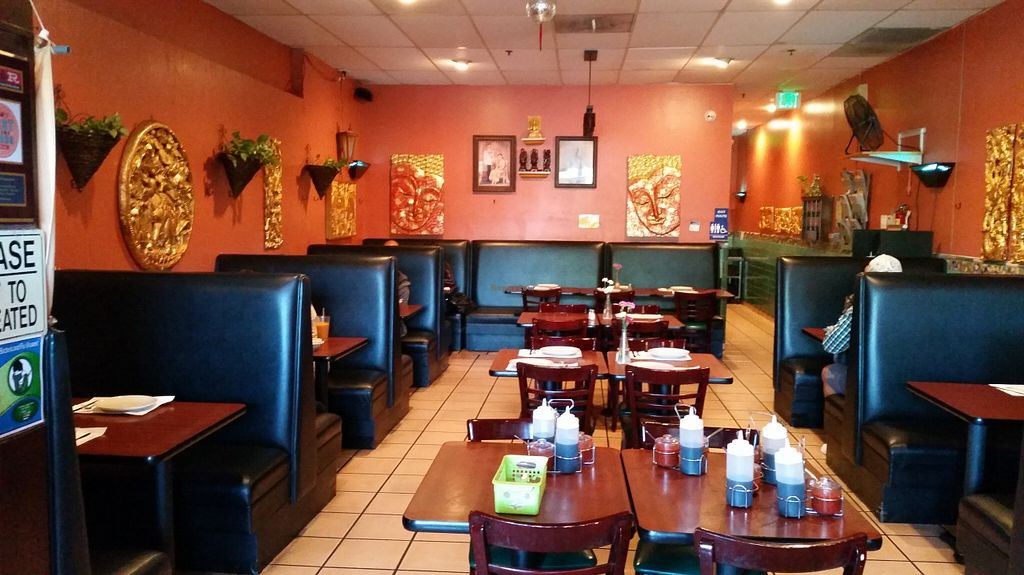 """Photo of Thai Chili  by <a href=""""/members/profile/karl8704"""">karl8704</a> <br/>The main dining room of Thai Chili <br/> March 31, 2016  - <a href='/contact/abuse/image/67394/142150'>Report</a>"""