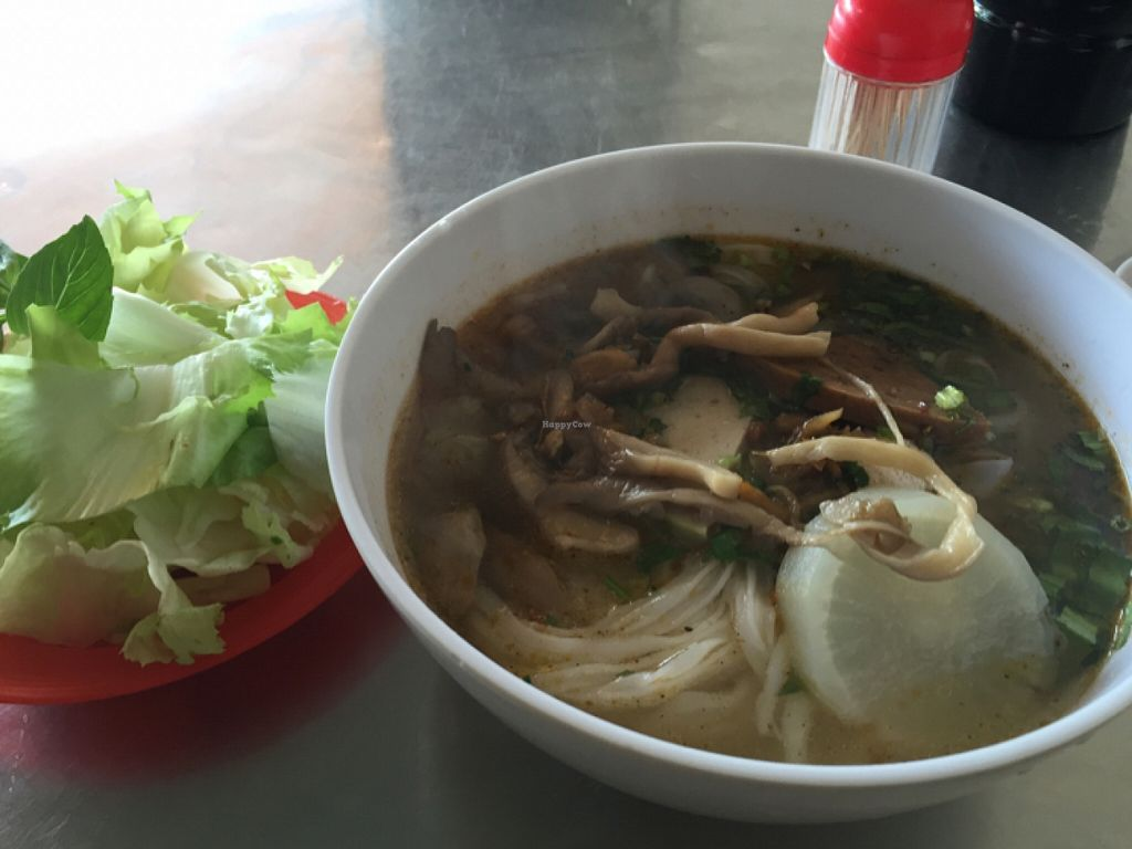 "Photo of CLOSED: An Lac Tam 2  by <a href=""/members/profile/fairygoeselsewhere"">fairygoeselsewhere</a> <br/>A decent bowl of pho under US$1.  <br/> December 23, 2015  - <a href='/contact/abuse/image/67472/129622'>Report</a>"