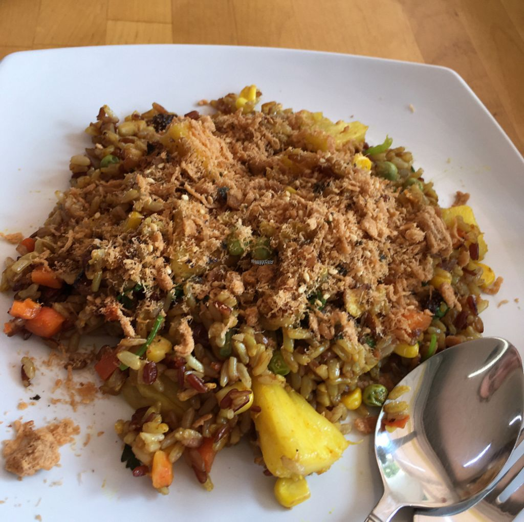 """Photo of SunnyChoice - Alexandra Village  by <a href=""""/members/profile/southernX"""">southernX</a> <br/>pineapple fried rice <br/> April 28, 2017  - <a href='/contact/abuse/image/67520/253375'>Report</a>"""