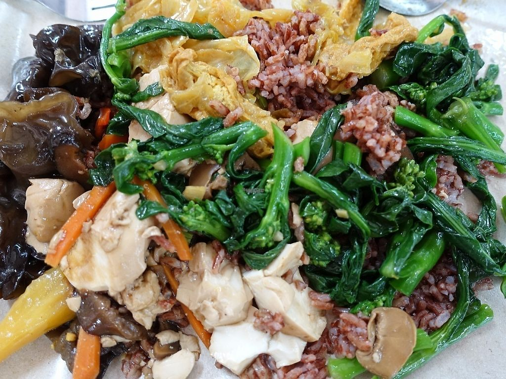 """Photo of Mi Le Vegetarian Stall- at Prime Court Coffeeshop  by <a href=""""/members/profile/JimmySeah"""">JimmySeah</a> <br/>Economic Rice - Black fungus, tofu, curry vegetables and kailan vegetables <br/> April 16, 2017  - <a href='/contact/abuse/image/67524/248972'>Report</a>"""