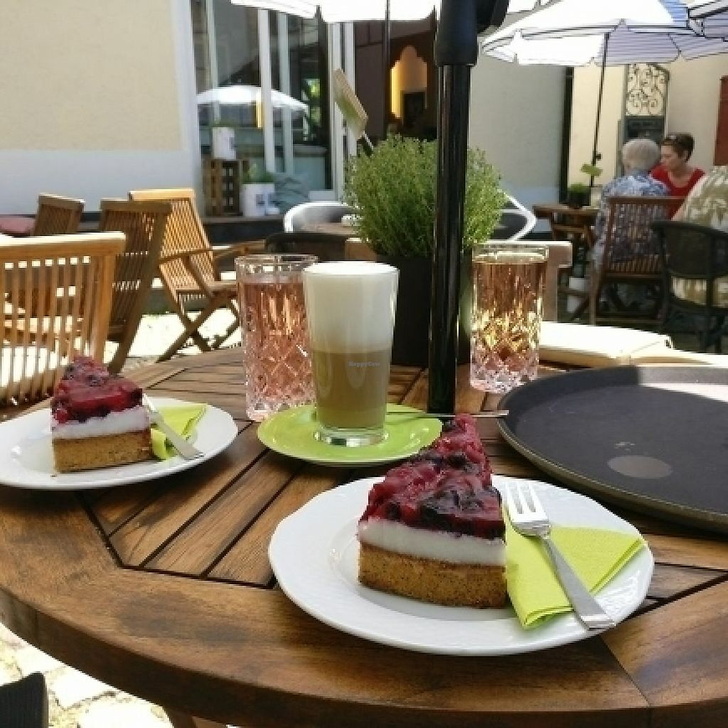 """Photo of Cafe Glucklich   by <a href=""""/members/profile/NiniNacktfisch"""">NiniNacktfisch</a> <br/>Veganer Kuchen  <br/> May 27, 2017  - <a href='/contact/abuse/image/67568/262993'>Report</a>"""