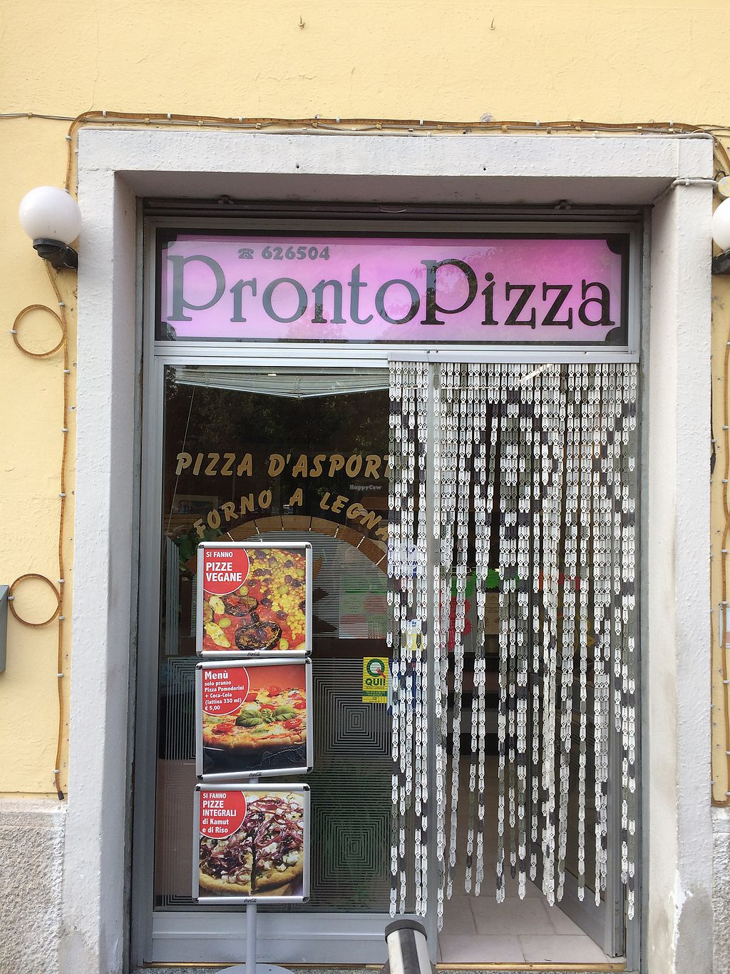 """Photo of Pronto Pizza  by <a href=""""/members/profile/veg%C3%A9line"""">vegéline</a> <br/>Pizzeria <br/> August 1, 2017  - <a href='/contact/abuse/image/67579/287824'>Report</a>"""