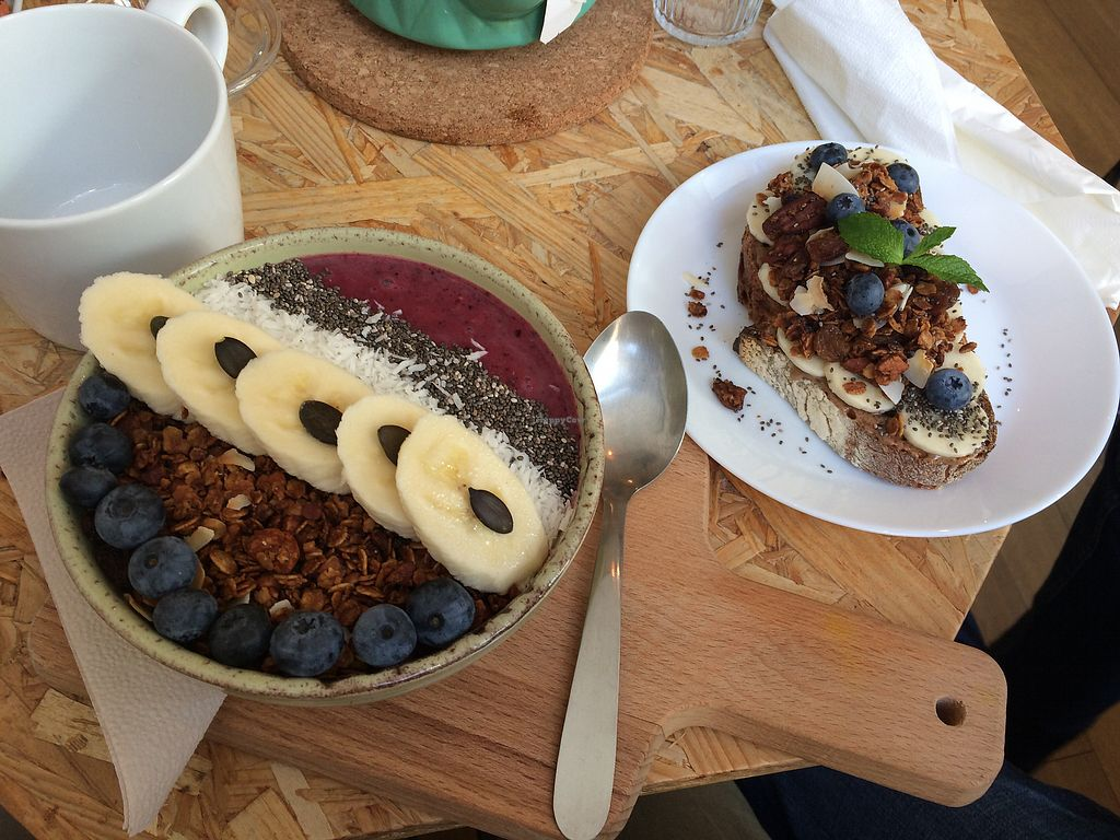 "Photo of Paper Plane  by <a href=""/members/profile/Mereldh"">Mereldh</a> <br/>Acai bowl & energy tartine - both delicious! <br/> September 26, 2017  - <a href='/contact/abuse/image/67704/308669'>Report</a>"