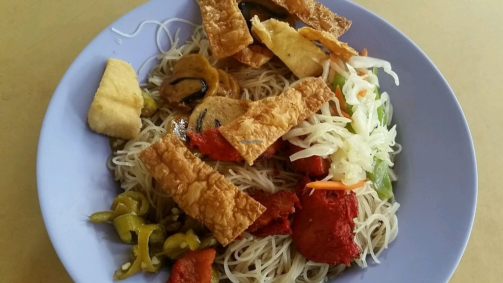 """Photo of Xin Yi Vegetarian Food  by <a href=""""/members/profile/JimmySeah"""">JimmySeah</a> <br/>economic bee hoon (vermicelli)  <br/> October 8, 2017  - <a href='/contact/abuse/image/67841/313100'>Report</a>"""
