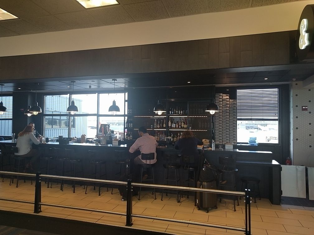 """Photo of &pizza - Airport  by <a href=""""/members/profile/mrd"""">mrd</a> <br/>Adjacent bar. Same ownership, but need to pay separately <br/> June 22, 2017  - <a href='/contact/abuse/image/67872/272093'>Report</a>"""