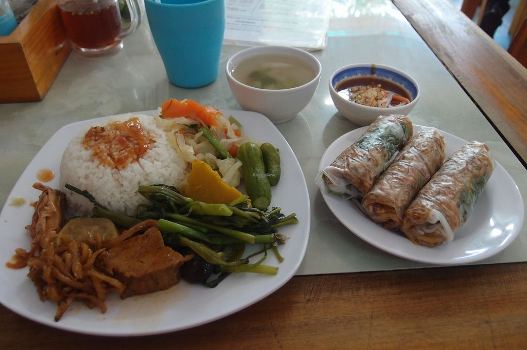 Photo of Bach Thao  by Vegreg <br/>Standard lunch rice plate, with spring rolls <br/> January 25, 2016  - <a href='/contact/abuse/image/67891/133633'>Report</a>
