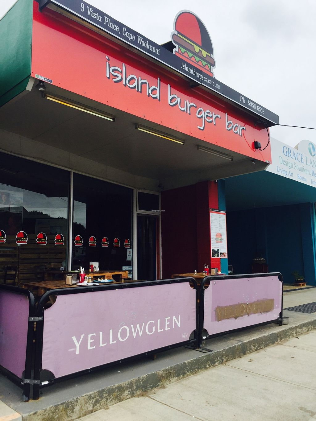 """Photo of Island Burger Bar  by <a href=""""/members/profile/karlaess"""">karlaess</a> <br/>Exterior  <br/> January 9, 2016  - <a href='/contact/abuse/image/67924/131760'>Report</a>"""