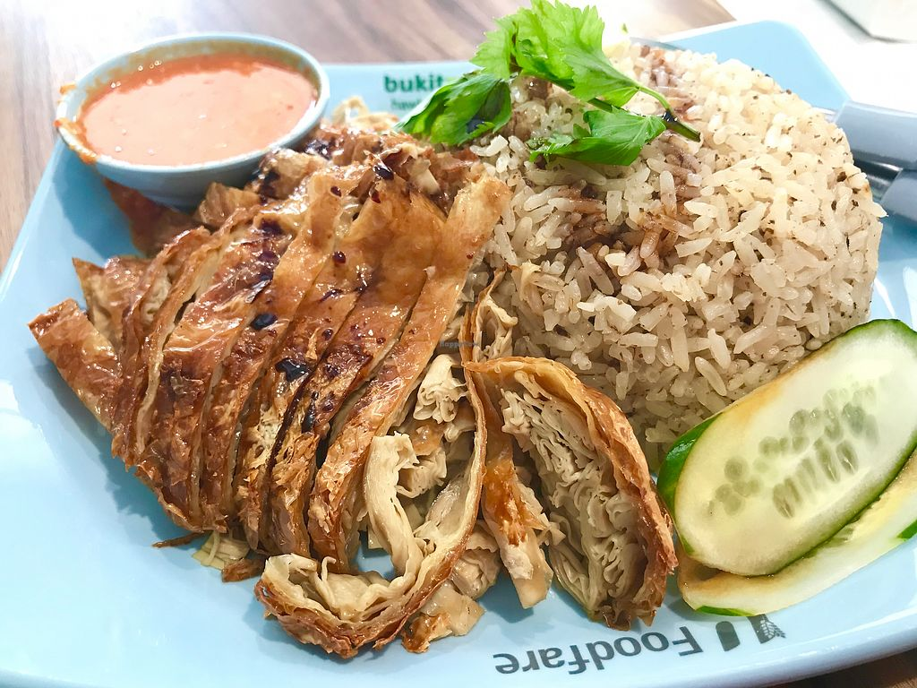 "Photo of Dong Shun Vegetarian  by <a href=""/members/profile/VeggieTemptation"">VeggieTemptation</a> <br/>Best vegetarian chicken rice! ☆ More vegan recipes and eateries at www.veggieTemptation.blogspot.sg.  Facebook: veggietemptation  <br/> March 5, 2018  - <a href='/contact/abuse/image/67935/367128'>Report</a>"