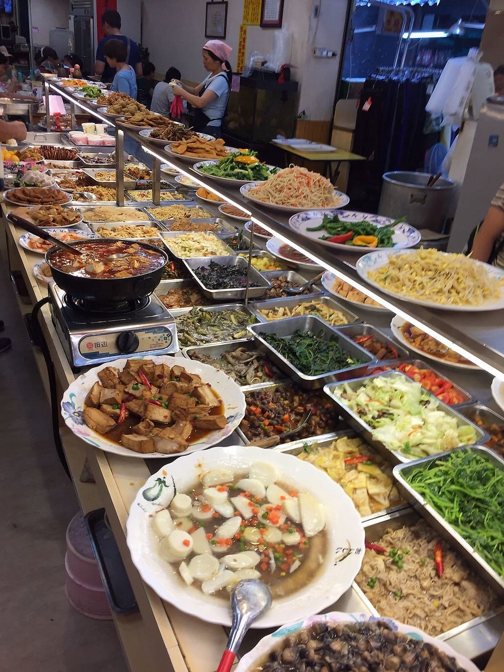 """Photo of Yao Tsih Su Shih Buffet  by <a href=""""/members/profile/FlokiTheCat"""" class=""""title__title"""">FlokiTheCat</a> <br/>General view of the buffet <br/> July 31, 2017  - <a href='/contact/abuse/image/6793/287088'>Report</a>"""