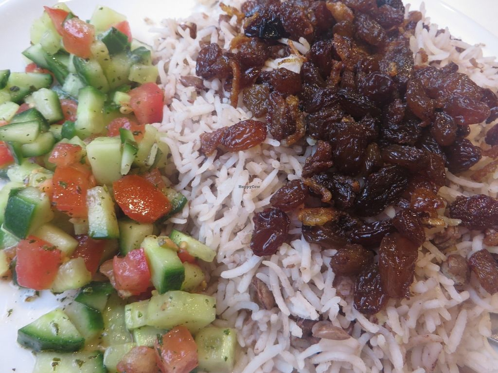 "Photo of Philo Cafe  by <a href=""/members/profile/VegiAnna"">VegiAnna</a> <br/>vegan rice dish with vegetables and raisins <br/> January 9, 2016  - <a href='/contact/abuse/image/68071/131567'>Report</a>"
