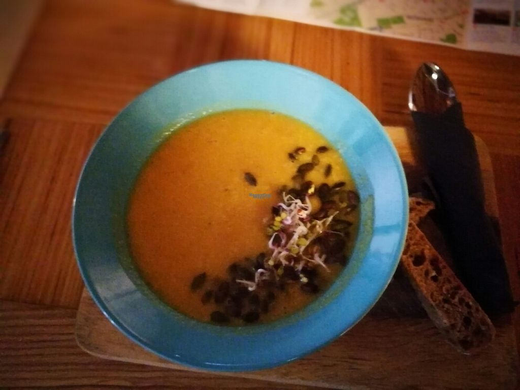 "Photo of Kohvik Must Puudel  by <a href=""/members/profile/Humanbeing1812"">Humanbeing1812</a> <br/>pumpkin and lentil soup <br/> April 3, 2017  - <a href='/contact/abuse/image/68125/244349'>Report</a>"
