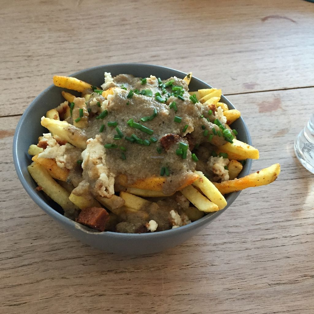 """Photo of Make No Bones  by <a href=""""/members/profile/Yorkshirevgn"""">Yorkshirevgn</a> <br/>Poutine  <br/> February 16, 2018  - <a href='/contact/abuse/image/68164/359966'>Report</a>"""