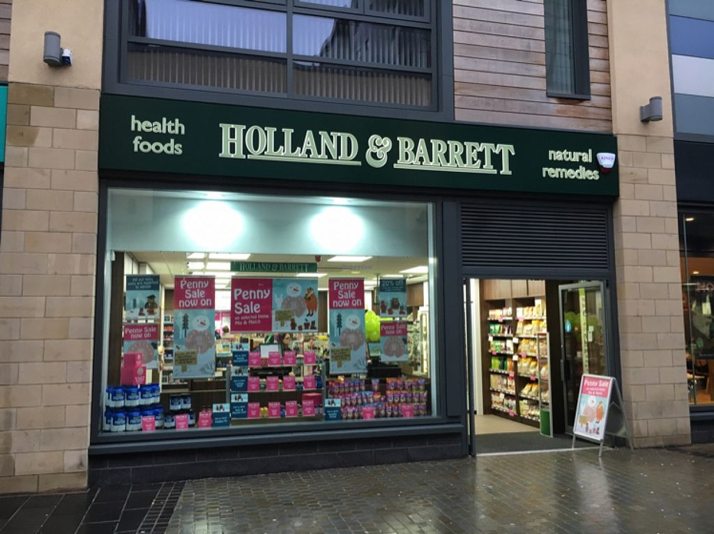 """Photo of Holland & Barrett - Trinity Square  by <a href=""""/members/profile/hack_man"""">hack_man</a> <br/>outside <br/> January 11, 2016  - <a href='/contact/abuse/image/68166/132057'>Report</a>"""