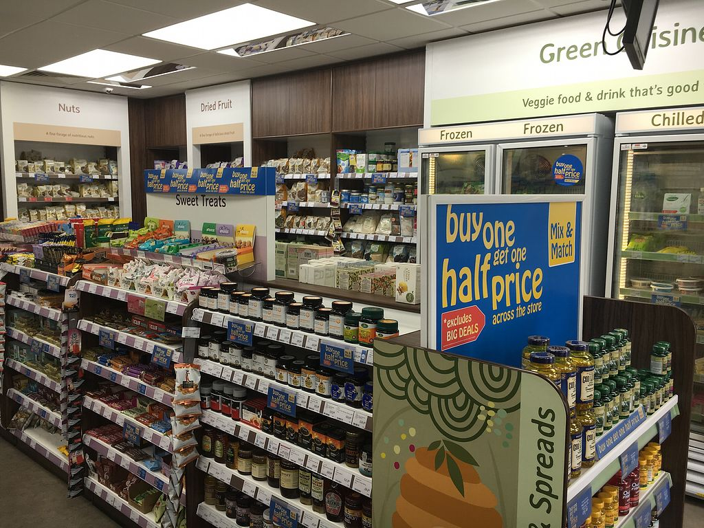 """Photo of Holland & Barrett - Trinity Square  by <a href=""""/members/profile/hack_man"""">hack_man</a> <br/>inside  <br/> June 17, 2017  - <a href='/contact/abuse/image/68166/270029'>Report</a>"""