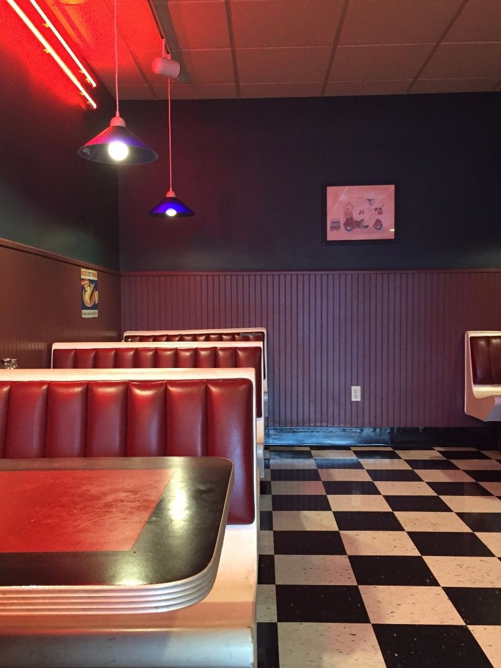 """Photo of Pizza D'Action  by <a href=""""/members/profile/HerbivoreJer"""">HerbivoreJer</a> <br/>nice looking place <br/> June 4, 2016  - <a href='/contact/abuse/image/68185/152333'>Report</a>"""